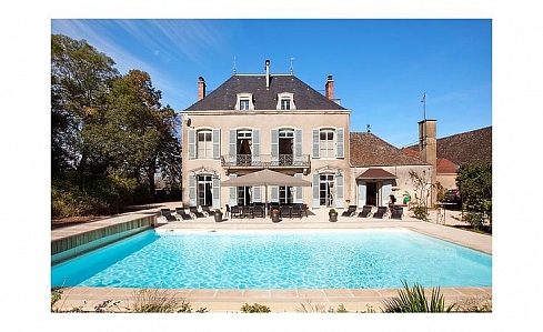 Holiday Chateau in Chalon sur Saone, Saone et Loire, Burgundy, Central France