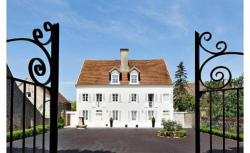 Holiday House in Saunieres, Saone et Loire, Burgundy, Centre France