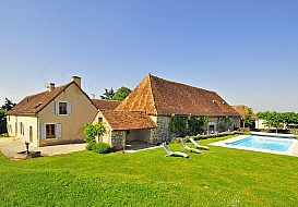 Holiday Farmhouse in Saint Gaultier, Indre, Loire Valley, Central France