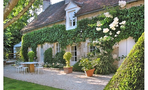 Holiday Cottage in Saint Jean de Braye, Loiret, Loire Valley, Central France